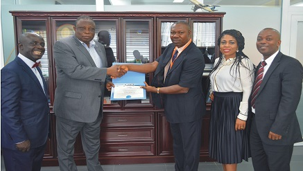 Oluropo Owolabi, managing director/chief executive officer of SAHCOL (second left) receiving African Global Aviation Enterprise Achiever Award